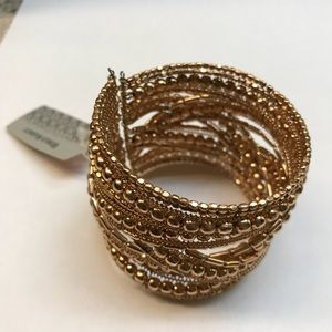 Jewelry - Gold bracelet